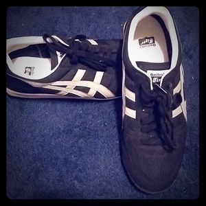 used Onitsuka Tiger shoes, mens size 10